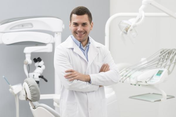 dentista-110826A09-07B0-D421-3D5F-15BBB003A7E4.jpg