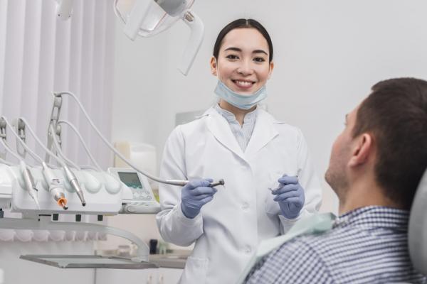 dentista-37F72FBE3-B5AE-EFD1-BE03-C69BD5327E1C.jpg